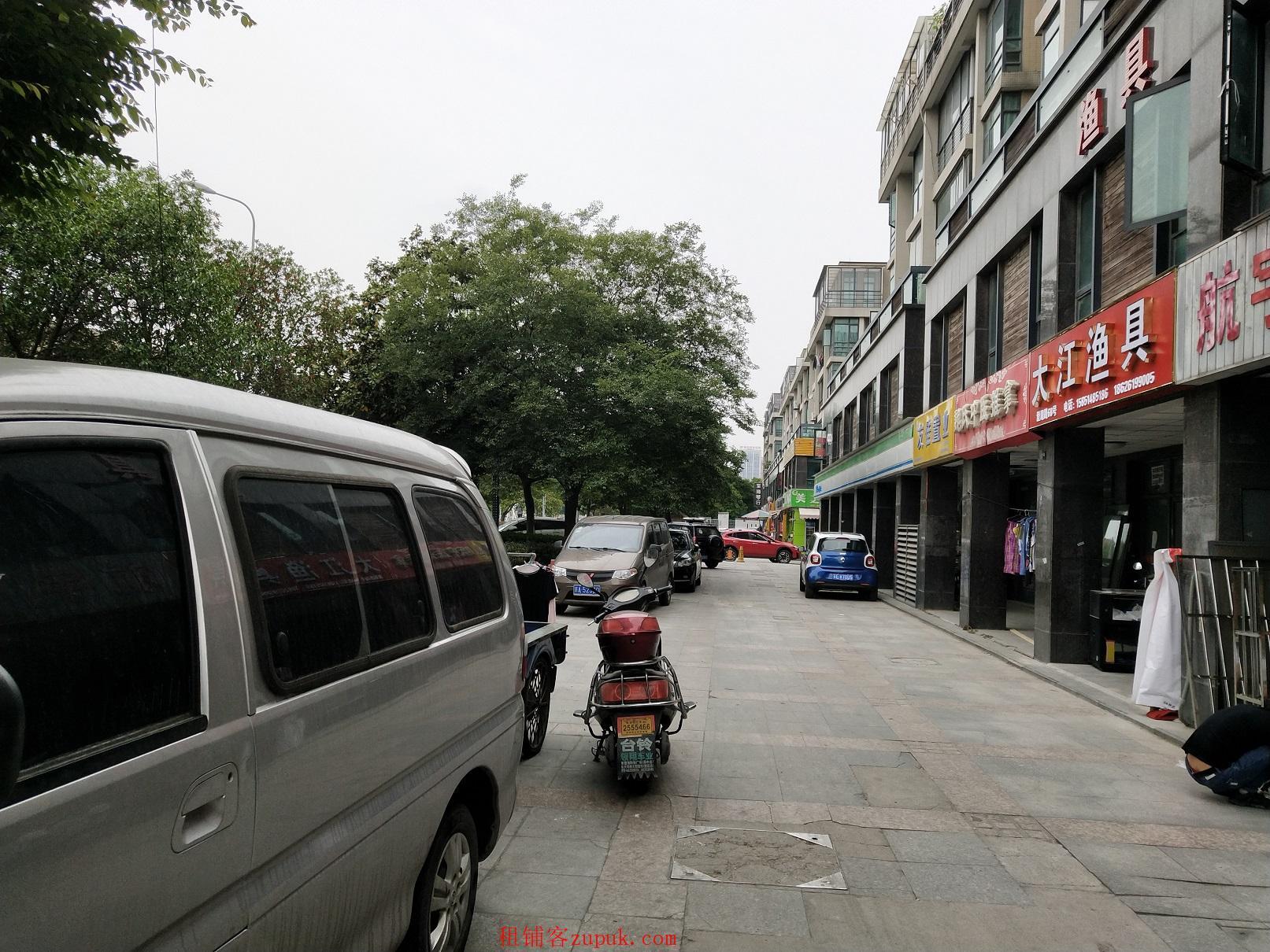 出租吴中城南阳光水榭一期南门口沿马路纯一楼商铺
