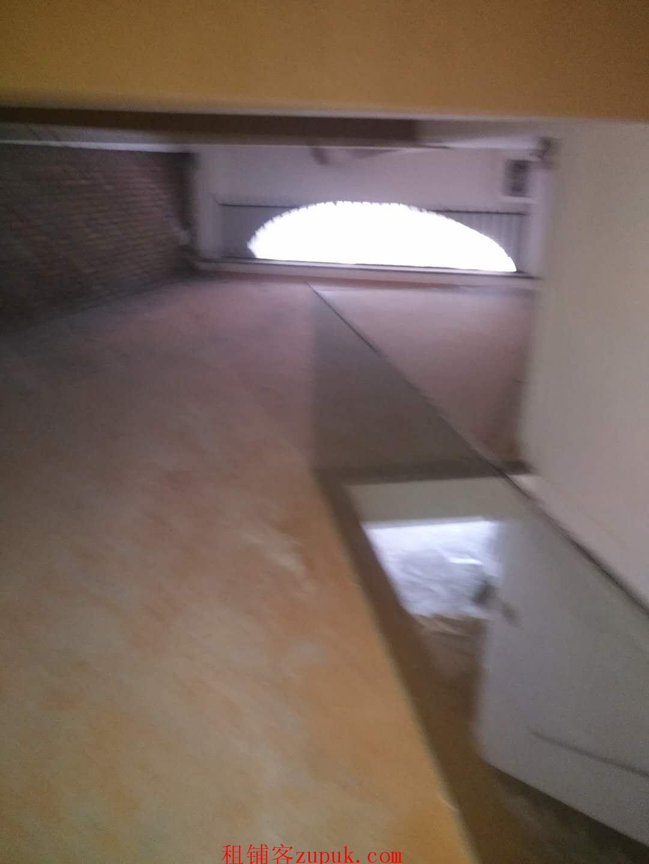 滨水学校隔壁水晶湖郡一期宽6米店铺