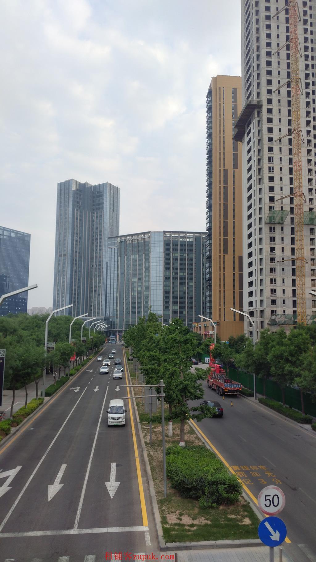 长风商务区洲际酒店旁临街商铺出租