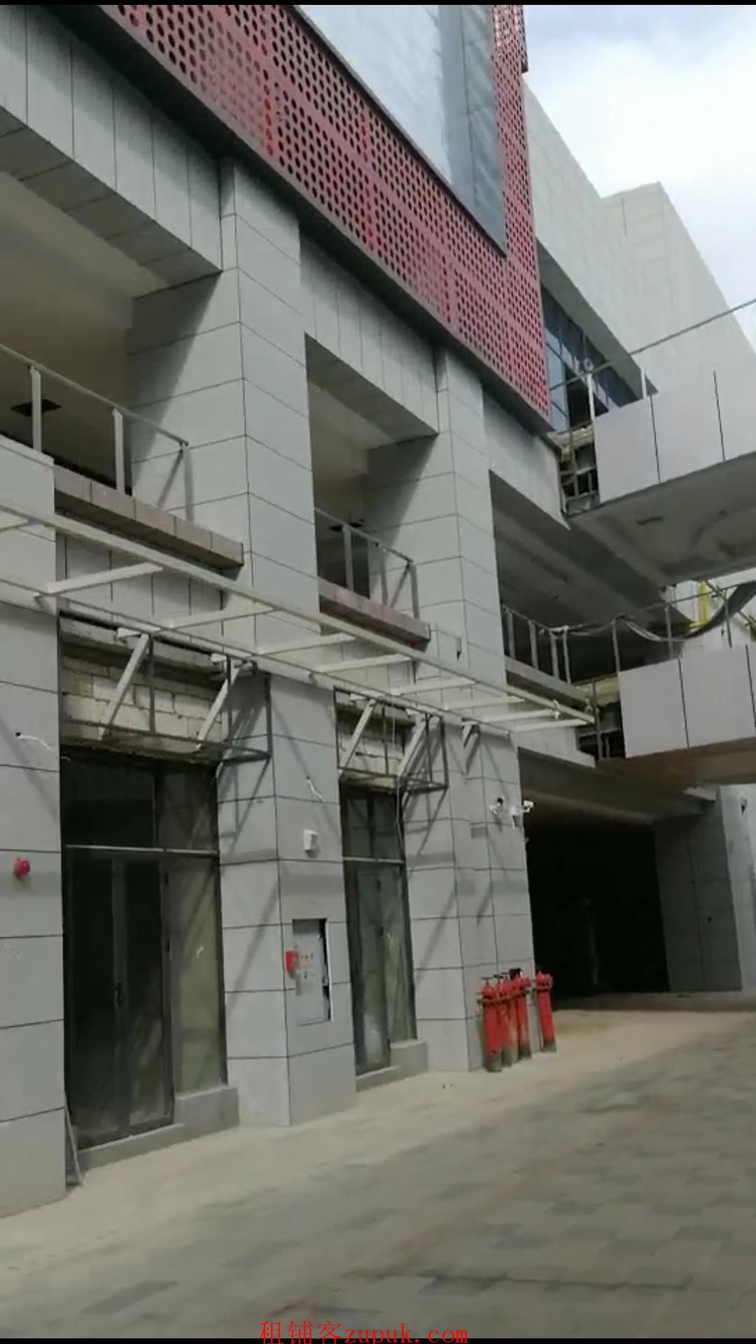 杨林大学城里外里优质商铺出租,20万大学生的商业中心