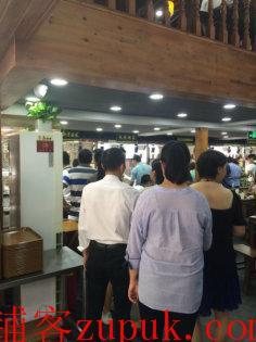 虹口区七浦路商业街重餐饮旺铺出租 水电煤齐全 周边人流量大