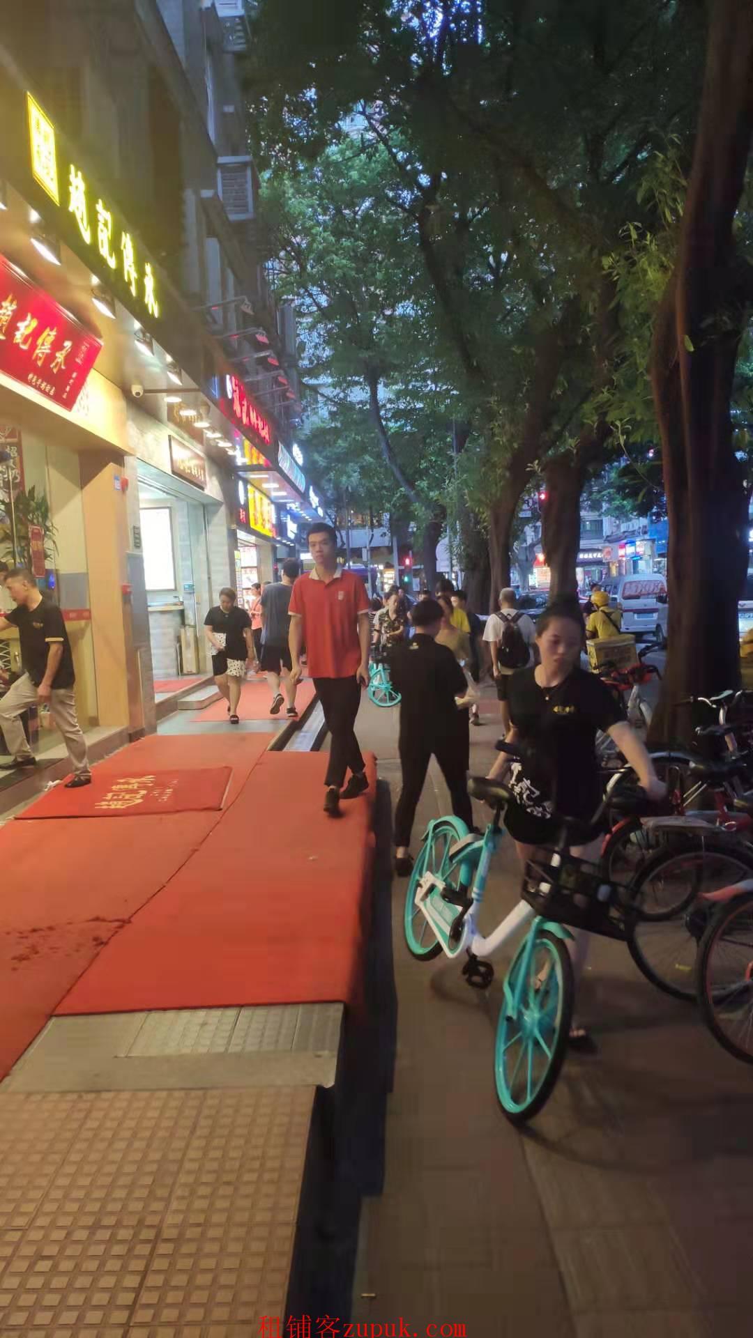 人和地铁口正沿街餐饮旺铺,适合小吃,奶茶饮品、可明火