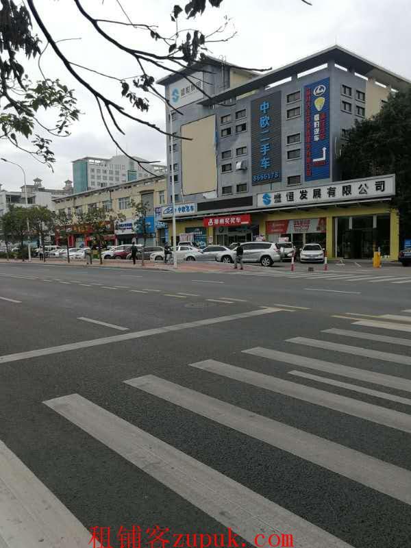 新香洲临街门面385方14米宽6米高10个车位租金面议