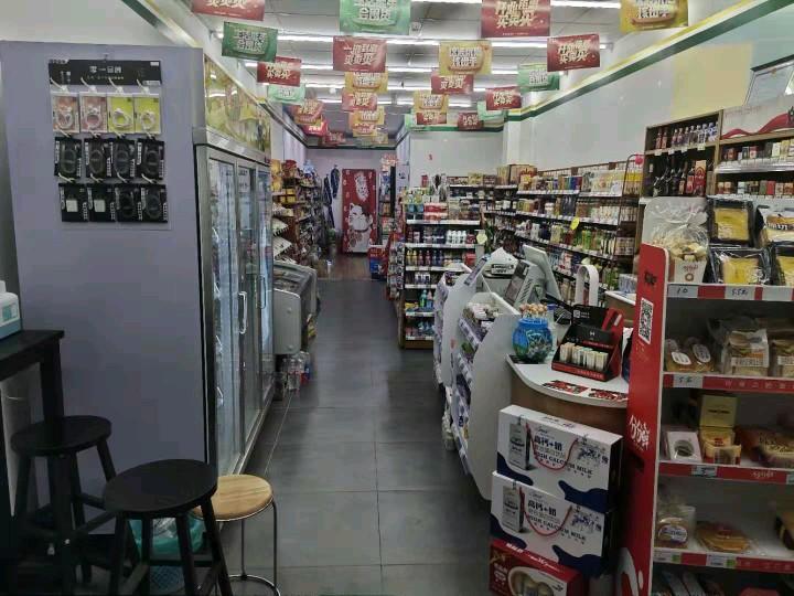 转让崇文街小区底商超市