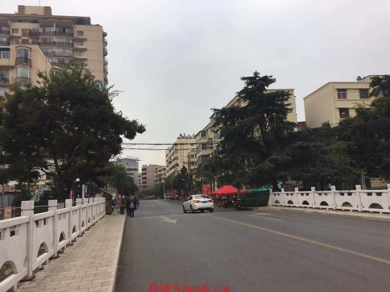 临街双门铺面直租可分租 (出租)
