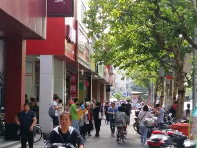 长宁昭化路沿街一楼商铺 餐饮业态不限 执照齐全