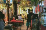黄沙,街1楼小吃店门口人超多可各种小吃点心水果捞,人超多1