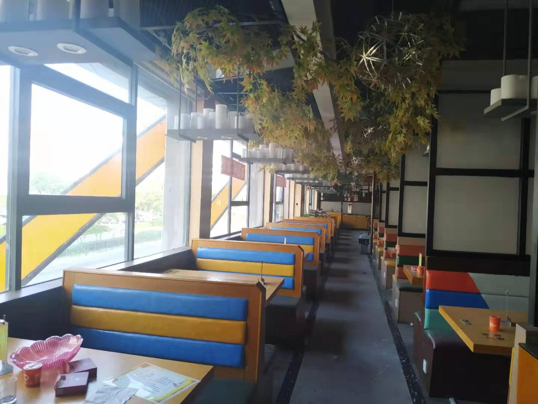 商业美食文化街湘菜馆整转,所有设备齐全,接手即可营业