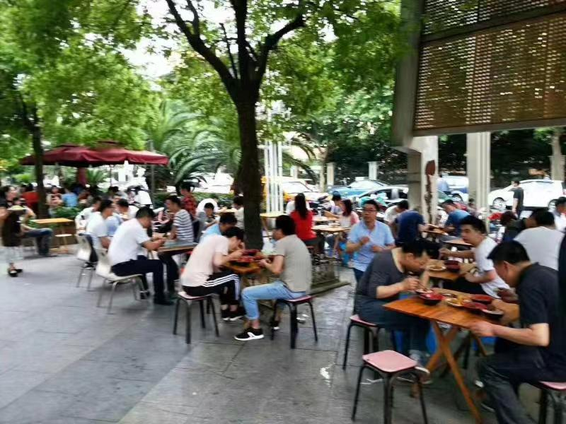 大食堂中式快餐 写字楼底商 1.5万人指定就餐重餐饮执照过户