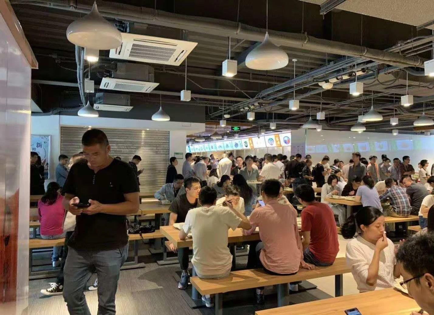 免租期10个月 漕河泾2万办公人唯一就餐 房东直租 重餐饮
