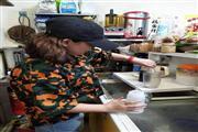宝安沙井学校写字楼附近小吃店汉堡店急转无进场费喝茶费价可谈