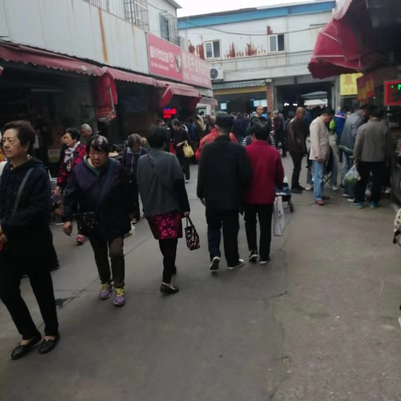 菜市场门口 牛肉汤熟食炸串饼 重餐饮执照 居民区客流不断