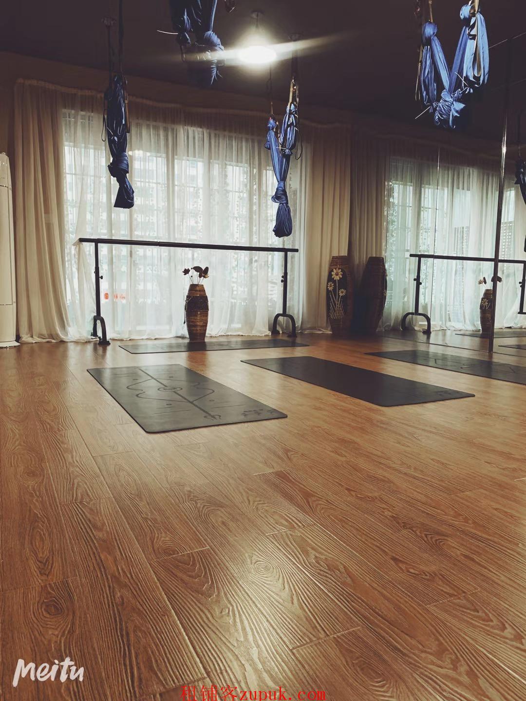 花果园财富广场1800的房租瑜伽馆转让