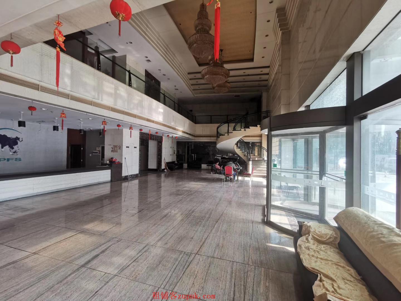 地铁口亚太四季酒店临街商铺出租,566平适合各业态,一类地段