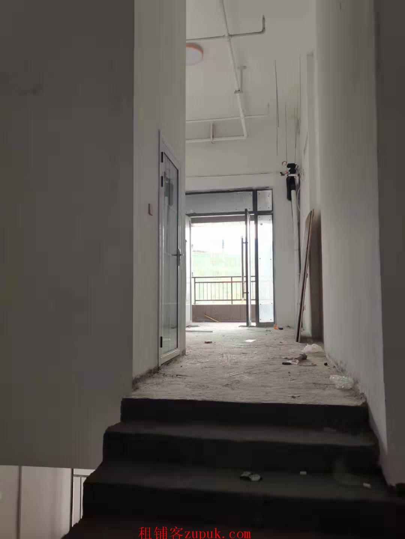 洋湖十八克拉临街社区底铺 卓伯根总部正对面原始门面低价出租