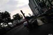 地铁旁,一楼,商铺位置好,除歺饮外的所有行业,价格便宜