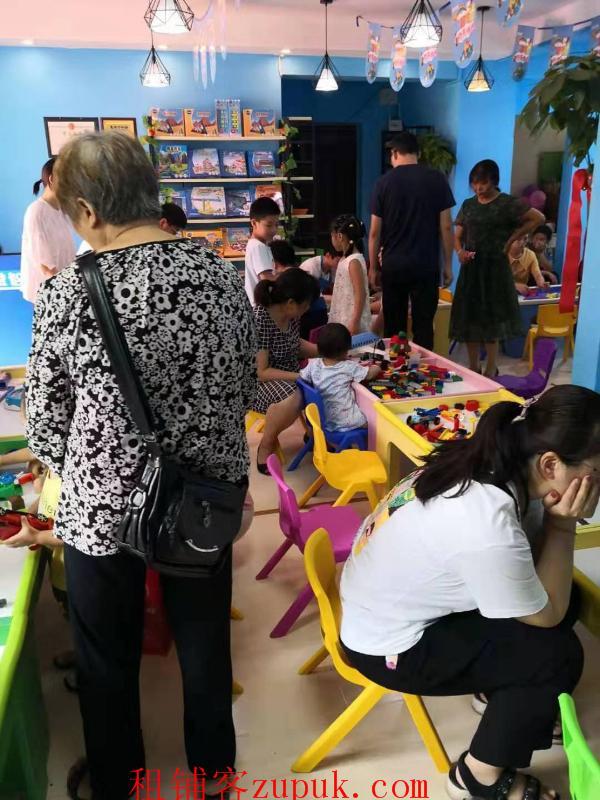 光谷一路90平米儿童乐园转让,知名度高,接手可盈利