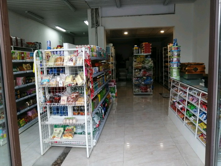 小区大门口超市转让