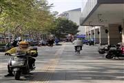 徐汇康健路沿街非餐饮旺铺,附近大型居民密集,面宽9米