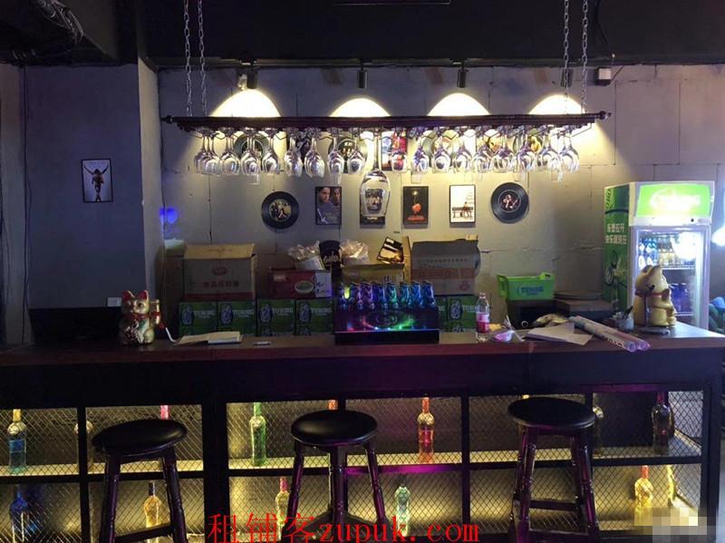南明区花果园兰花广场M区2栋暮色酒吧生意转让