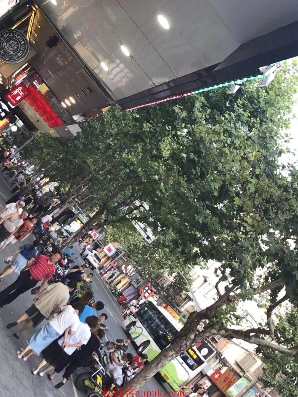 越秀文明路餐饮旺铺,沿街一楼,靠十字路口,业态不限!