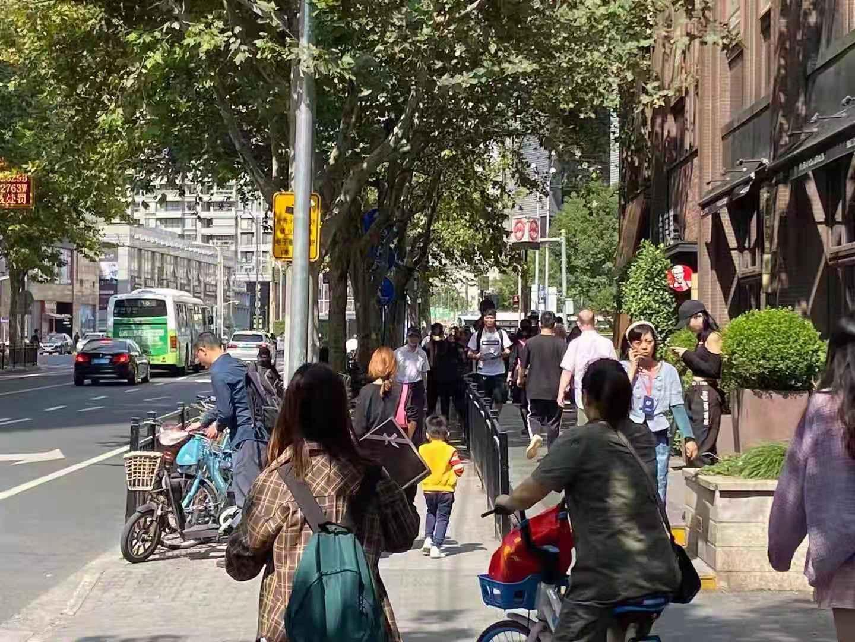 菜场沿街 黄埔蒙自路 早餐混沌水饺糕点 房东直租无转让费