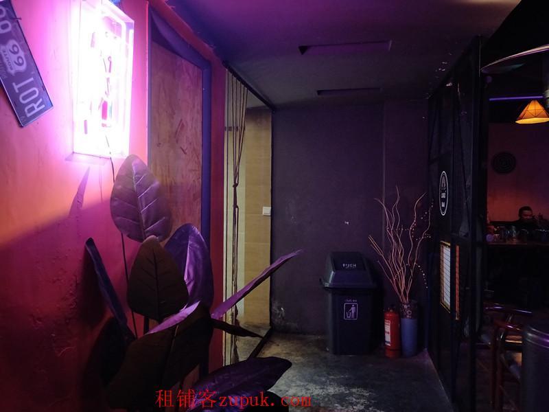 南明区小十字富水南路盈利200平酒吧生意转让