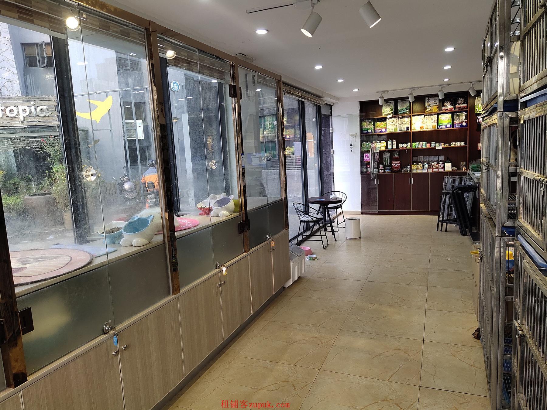 宁波大学附近嘉盛银座临街店铺,小区进出口,咖啡馆正对面。