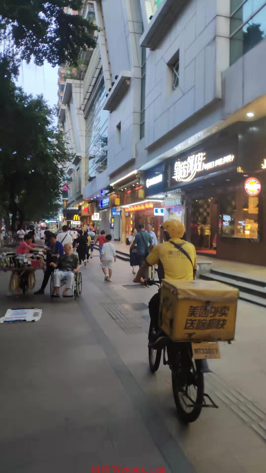 芳村地铁口临街门面 客流量超大 执照齐全业不限