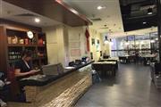 电影院对面成熟餐饮店面