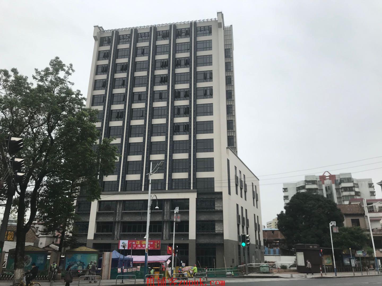 已经有消费群体了,为了共享资源啊,桂城总商会大厦