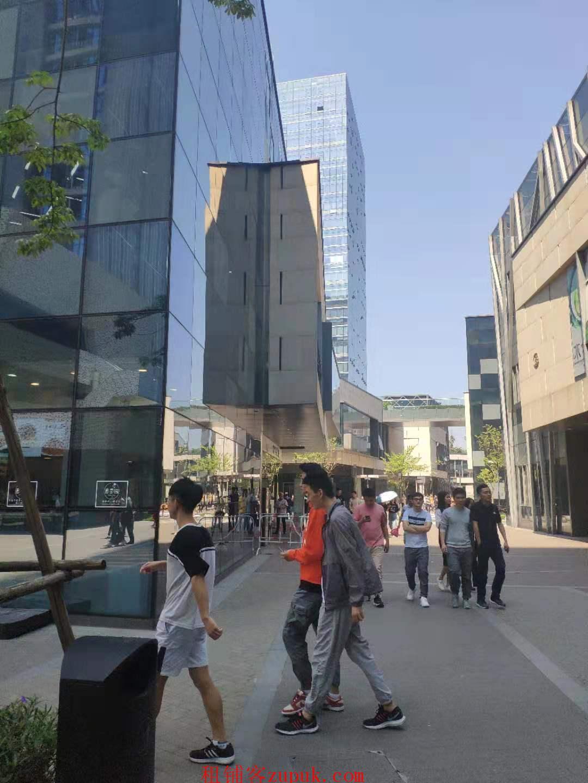 绿地中央广场餐饮旺铺,3w白领,写字楼底商,客流稳定!
