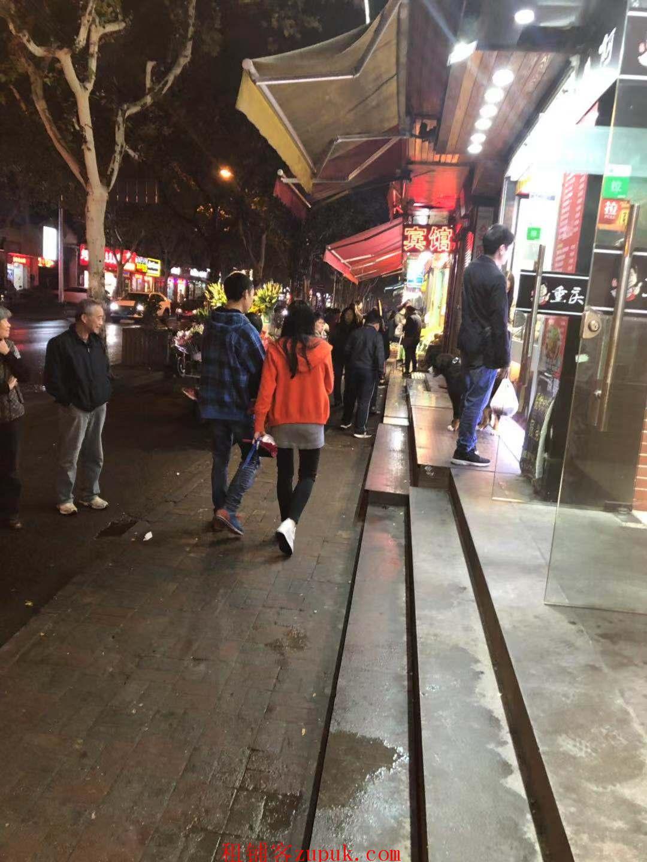 天河区东莞庄路临街店面白领消费人群高消费地段