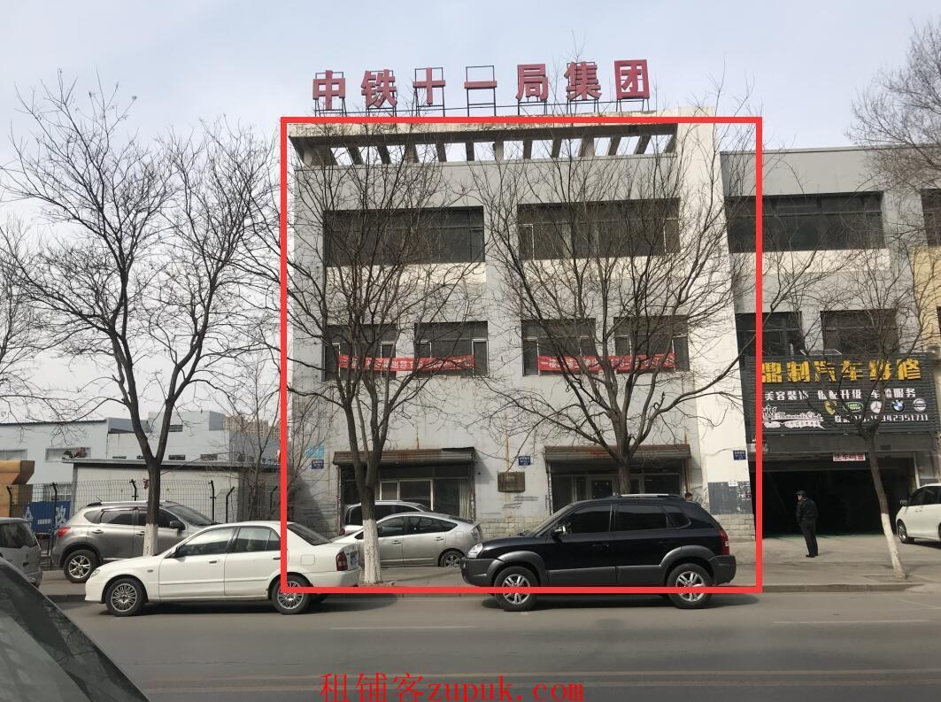 [理工大学]720平三层,理工大学商圈,房主直租无兑费