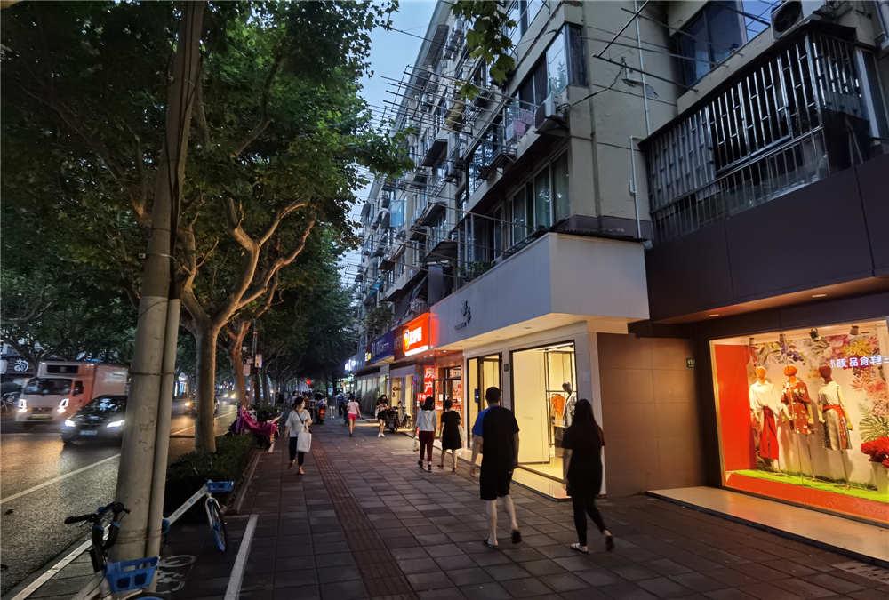 张江学林路地铁站 租金8千重餐饮执照 业态不限