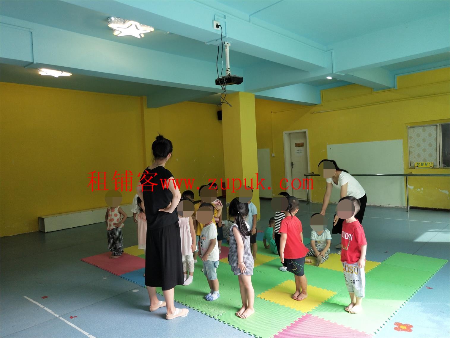 南明区沙冲南路独栋有证1400平幼儿园生意转让