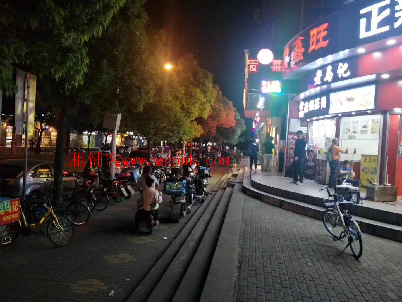 荔湾人民中路餐饮旺铺,正十字路口,客流不断,4米门宽!
