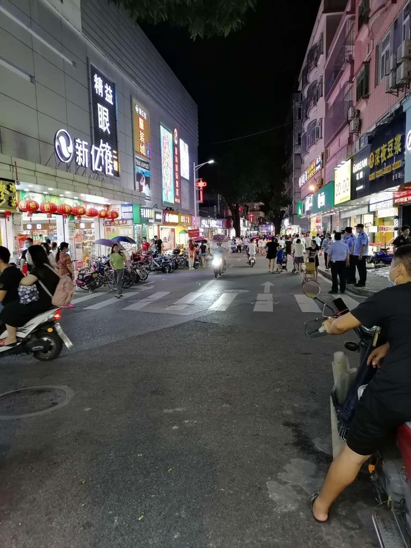 宝安240方餐厅转让 步行街 商圈人流超旺