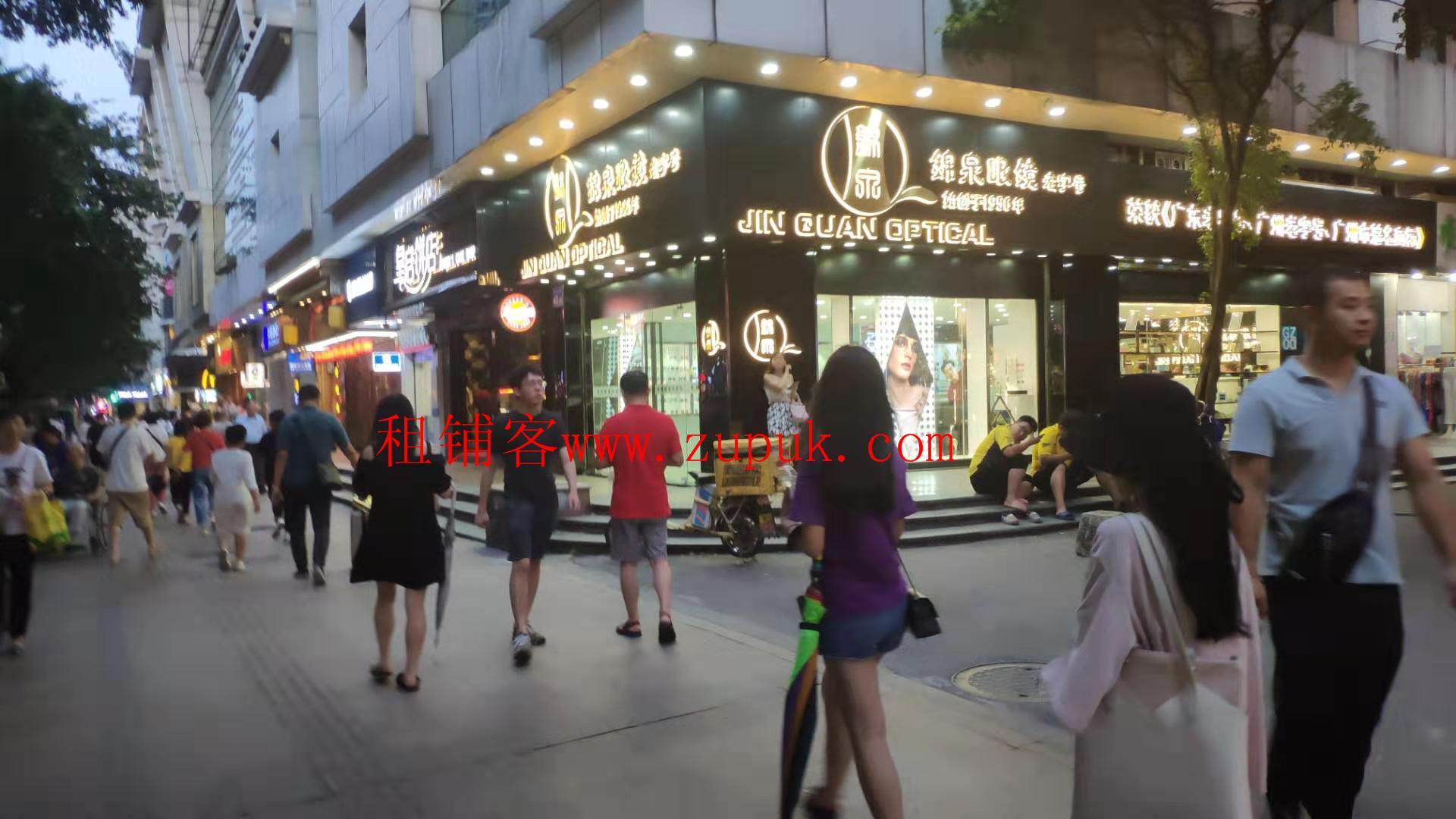 荔湾桥中北路餐饮旺铺,市场大门旁边,靠十字路口,全天客流不断