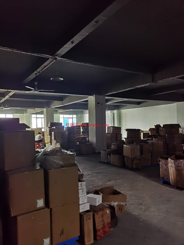 包河工业园187平精装修办公室215平仓库附送一个停车位