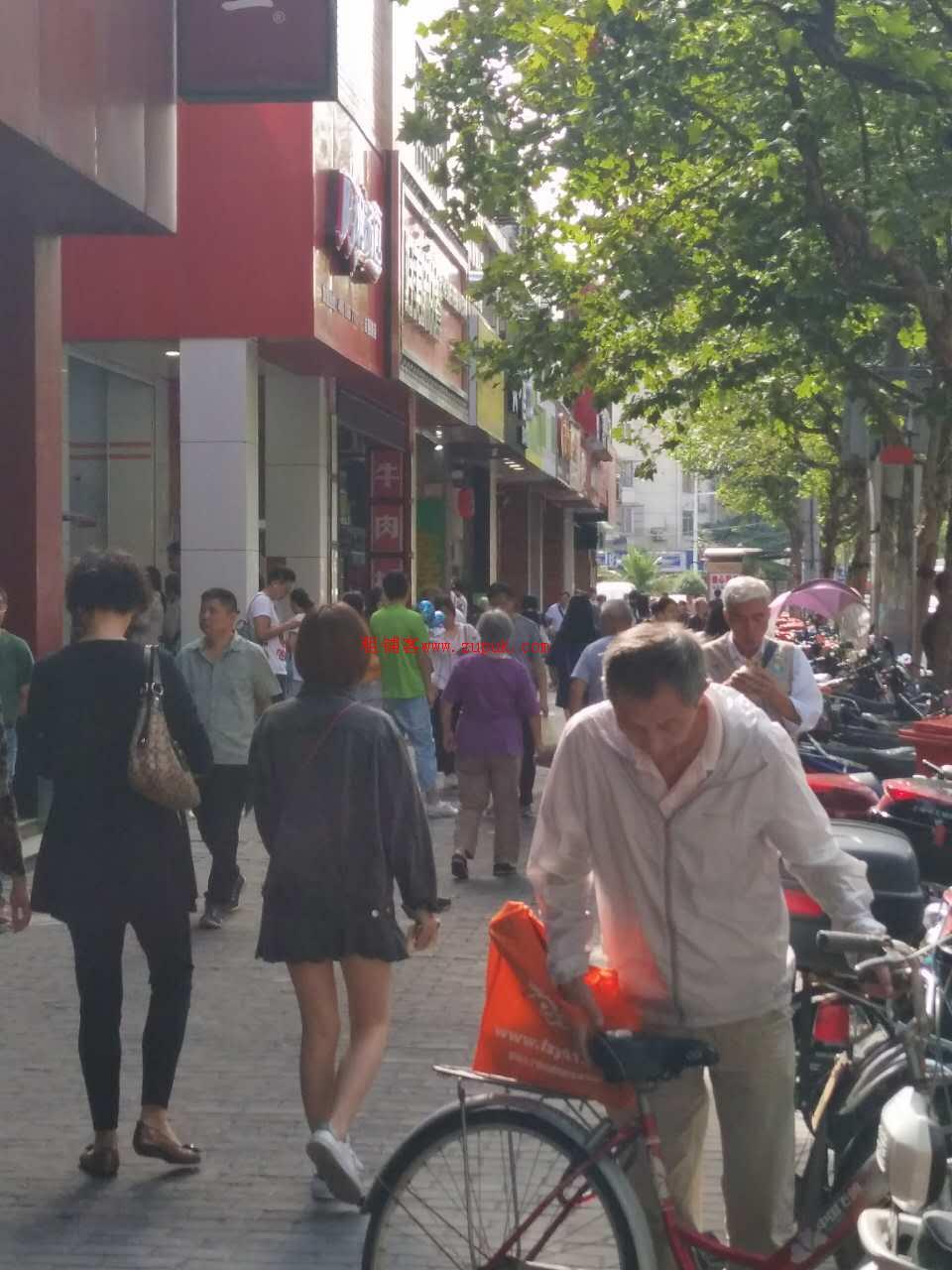 珠江新城外卖档,0进场转让费,可明火,一线商圈,高消费群体!