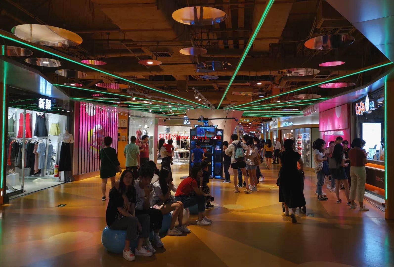 荔湾区芳村地铁口大型网红步行街,品牌专卖,性价比高.