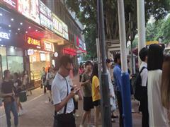 番禺市桥临街旺铺,正十字路口,可小吃饮品,靠地铁口,客流不断