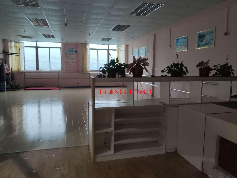 沙井西部茶城现三楼有150平方商铺出租.(管理处直招)