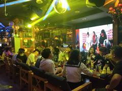 市中心江滨西路330平米精装酒吧转让