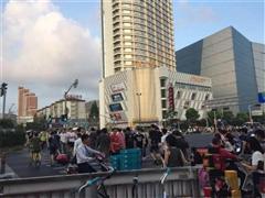 虹口区星荟中心广场 美食广场旺铺招商 餐饮业态不限 执照齐全